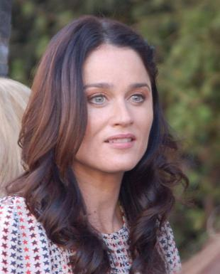 Picture of quotation author Robin Tunney