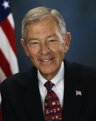 Picture of quotation author George Voinovich