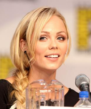 Picture of quotation author Laura Vandervoort