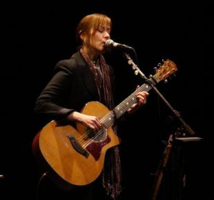Picture of quotation author Suzanne Vega