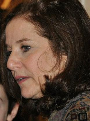 Picture of quotation author Debra Winger